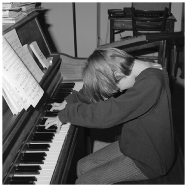 86 AR at piano, by Jack Radcliffe