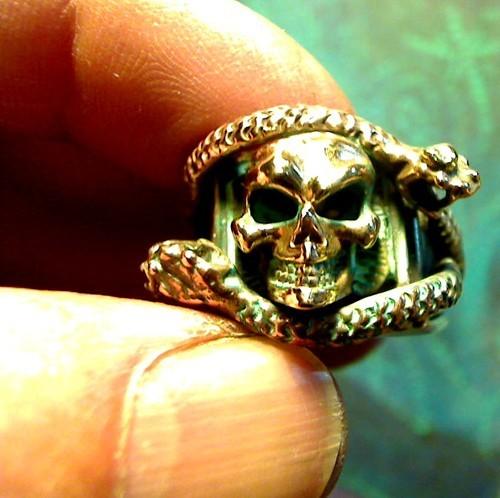 3 Rattle Snakes Skull Ring 18k nugget memento mori biker wiccan