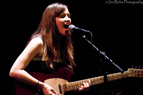 Amber Coffman / Dirty Projectors